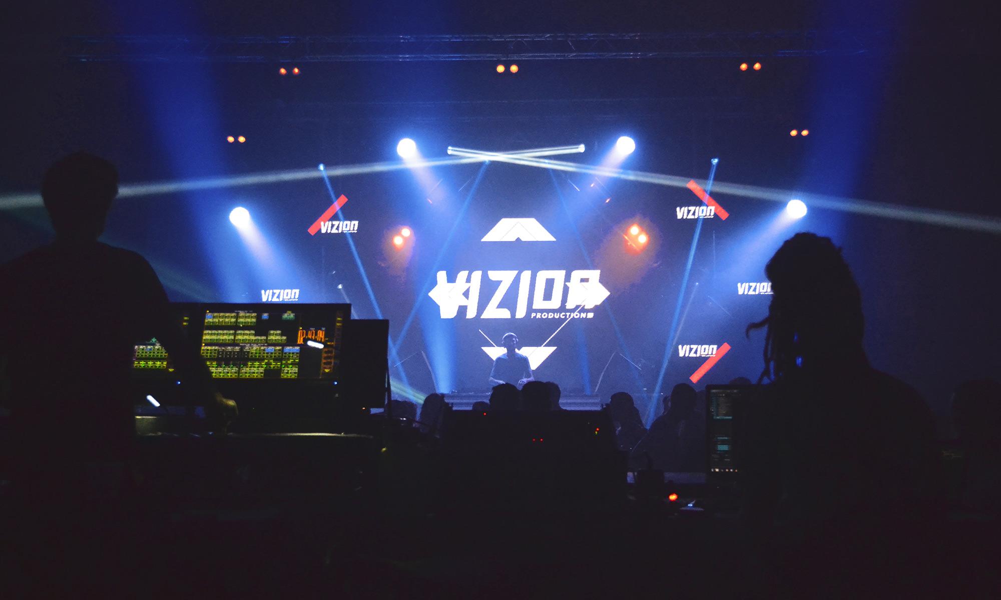 2000x1200-TECH-03